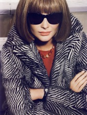 anna-wintour-licone-editorial-by-mario-testino-6